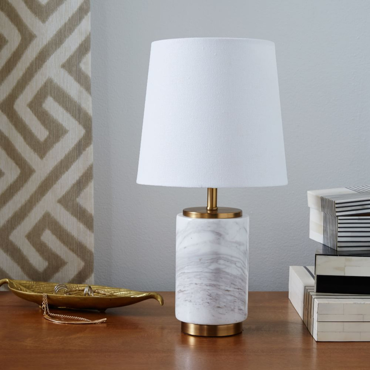 we-pillar-table-lamp-marble-small-w982-zoom