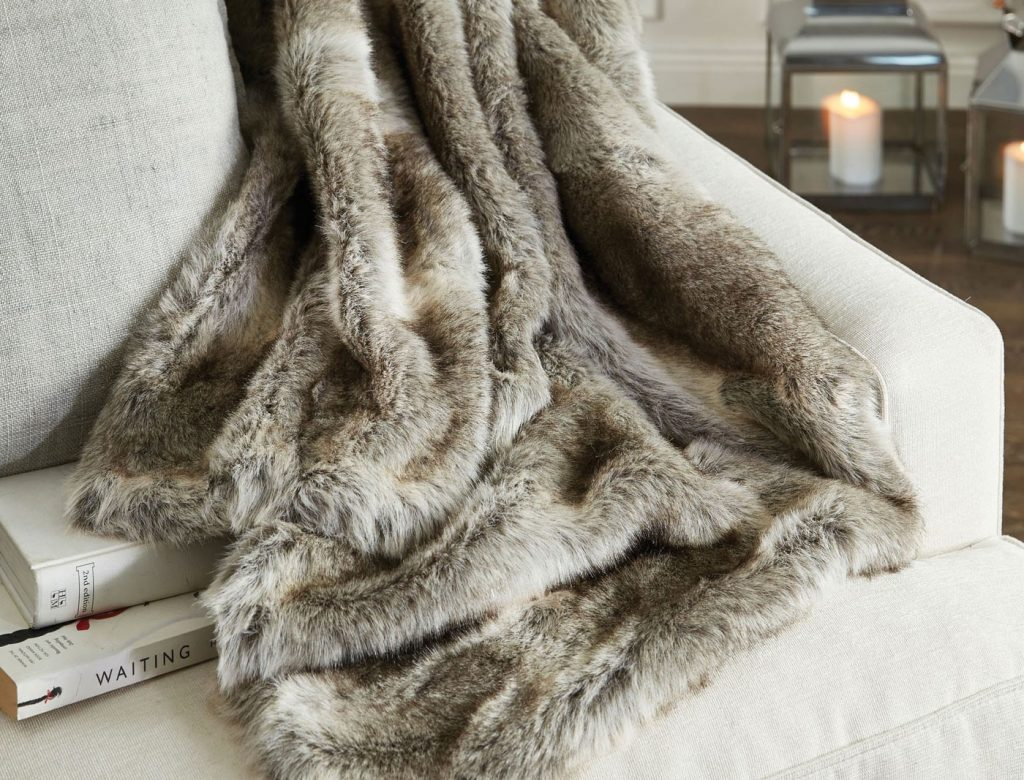 m_f-arctic-faux-fur-throw-12388013-alt_1_1