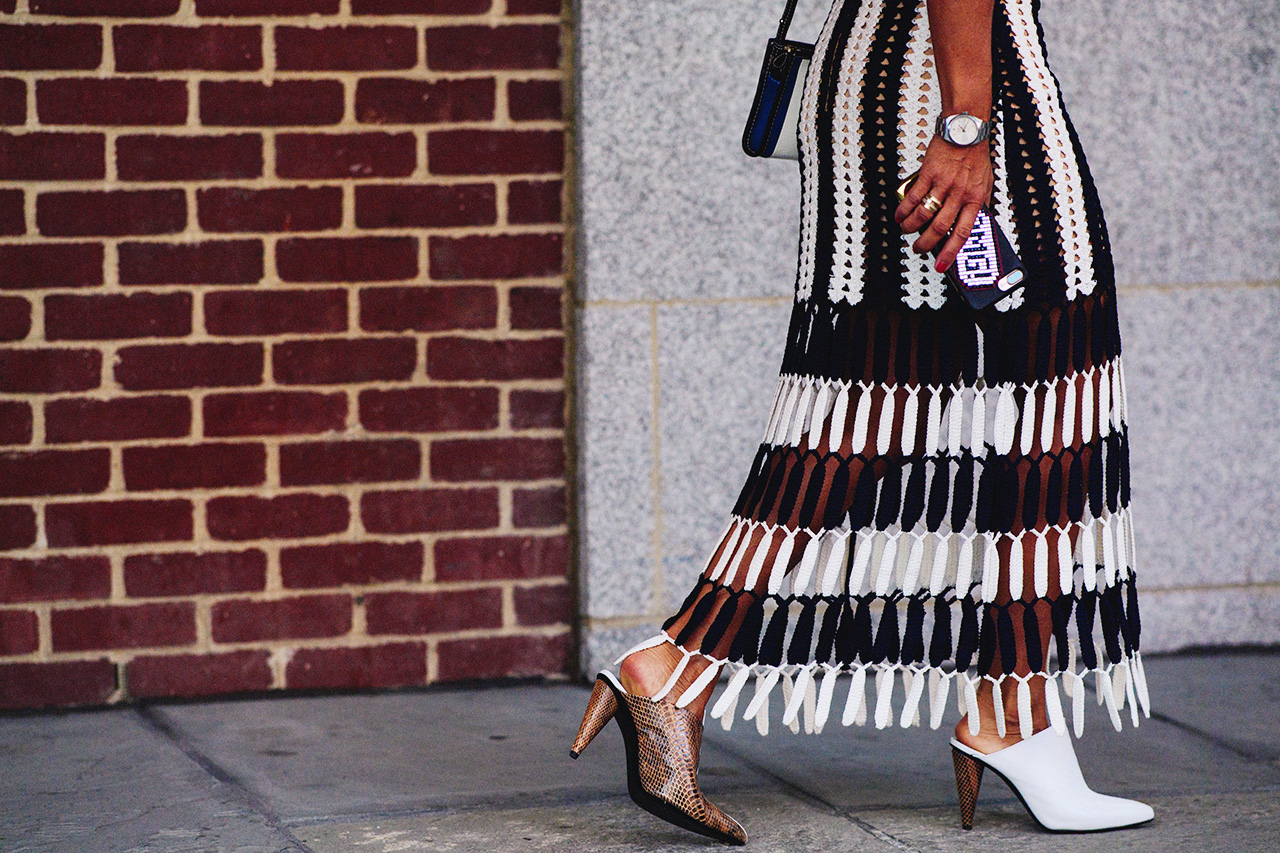 661baaf65c679 nyfw-spring-2018-street-style-self-portrait-skirt-white-shoes - The ...